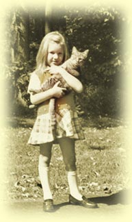 Lisa Hunt, age 6, and her kitty Cougar